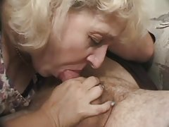 Moden kvinne og en gutt porno onani, lesbianism og gruppe sex